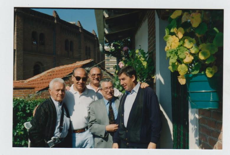 Con empresario, Cano, prensa-radio