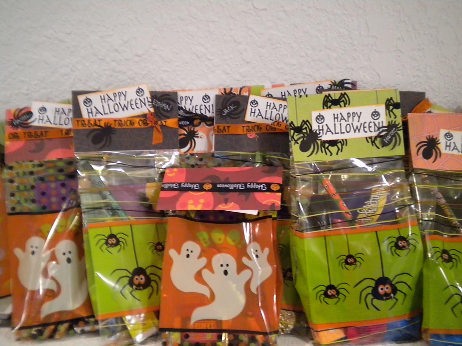 Creative Cricut Designs & More....: Halloween Treat Bags