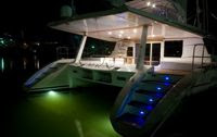 Charter Catamaran MAUNI in Belize with ParadiseConnections.com