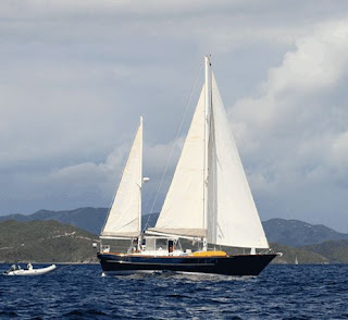Charter yacht Contessa in the Virgin Islands - Contact ParadiseConnections.com