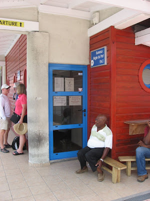 Marigot St Martin Office to clear in - Knock on the door