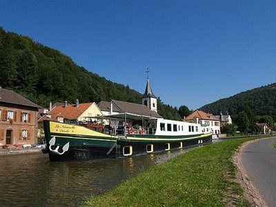 Hotel Barge LA NOUVELLE ETOILE - Cruise the French canals, Germany & Luxembourg, Belgium & Holland