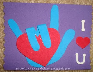 Sign_language_handprint_i_love_you