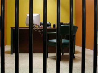 Meglio il lavoro o la prigione? Le differenze tra ufficio e galera