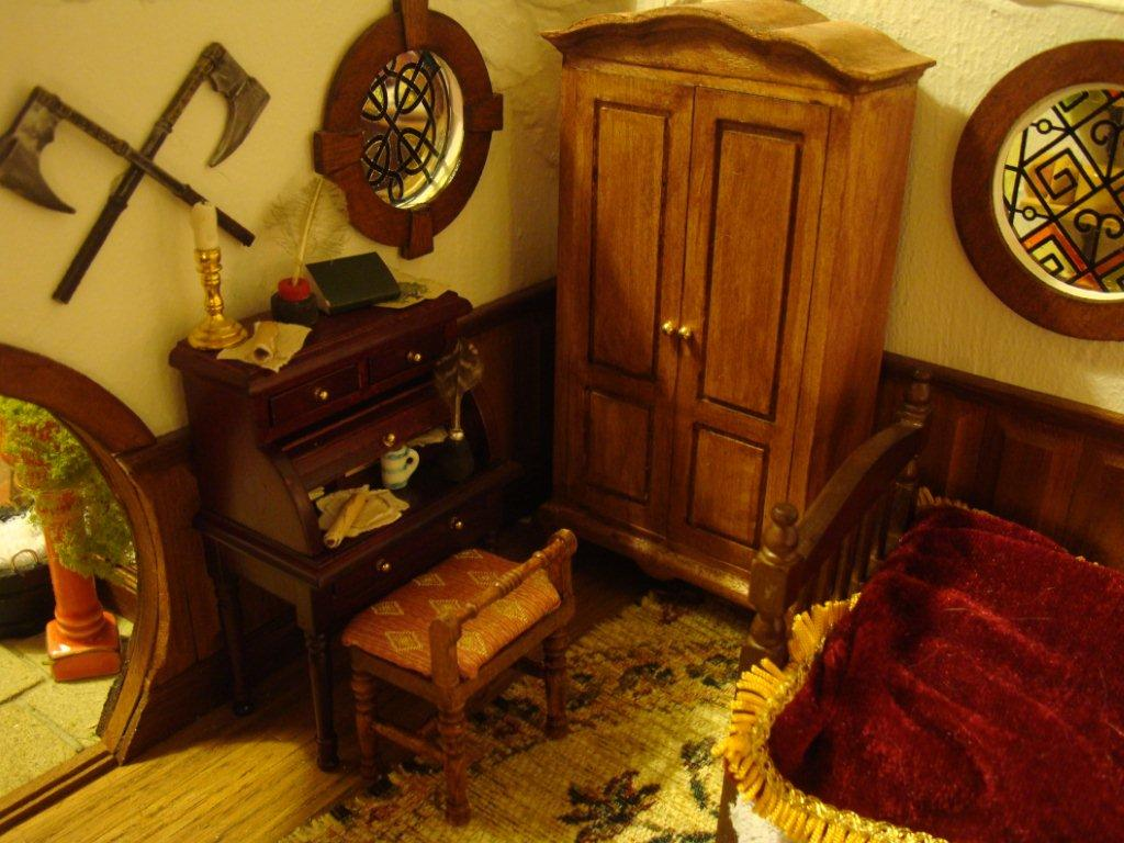 Warhammer fantasy miniatures gallery an incredible for Hobbit house furniture