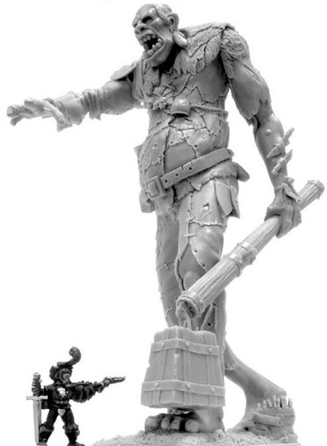 Massive Warhammer Giant Model form Forgeworld