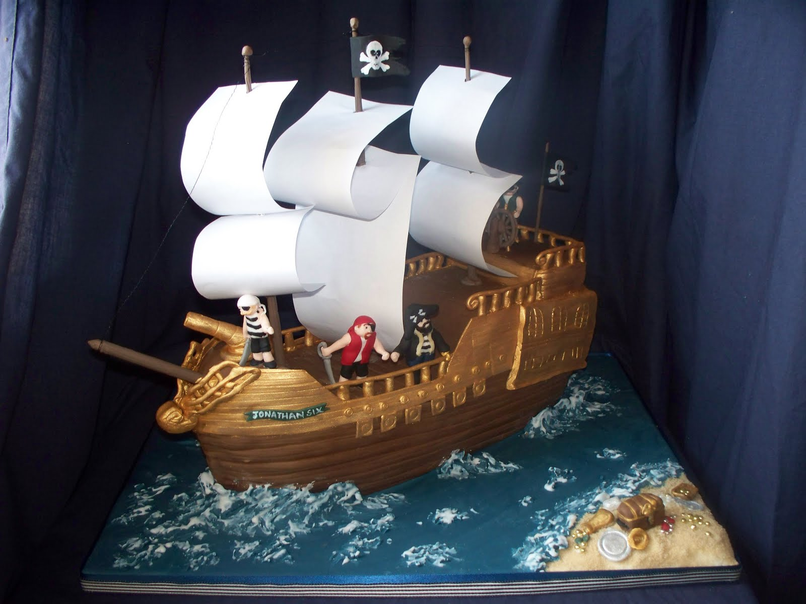 Ship Cakes on Pinterest Pirate Ship Cakes, Pirate Cakes ...