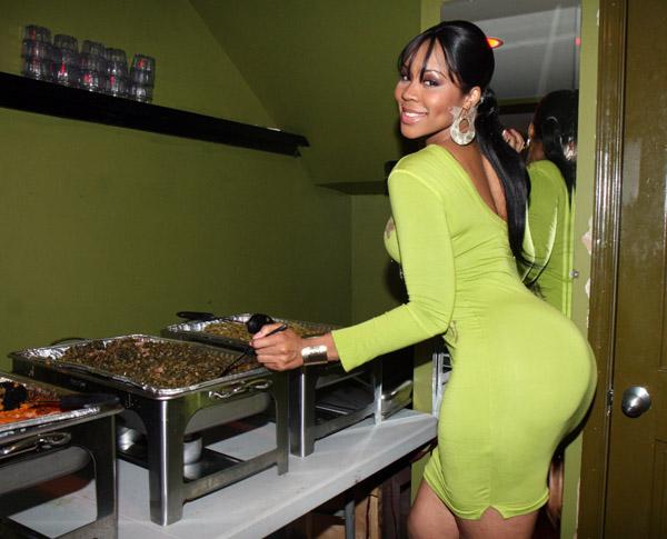 deelishis-green-dress-buffet