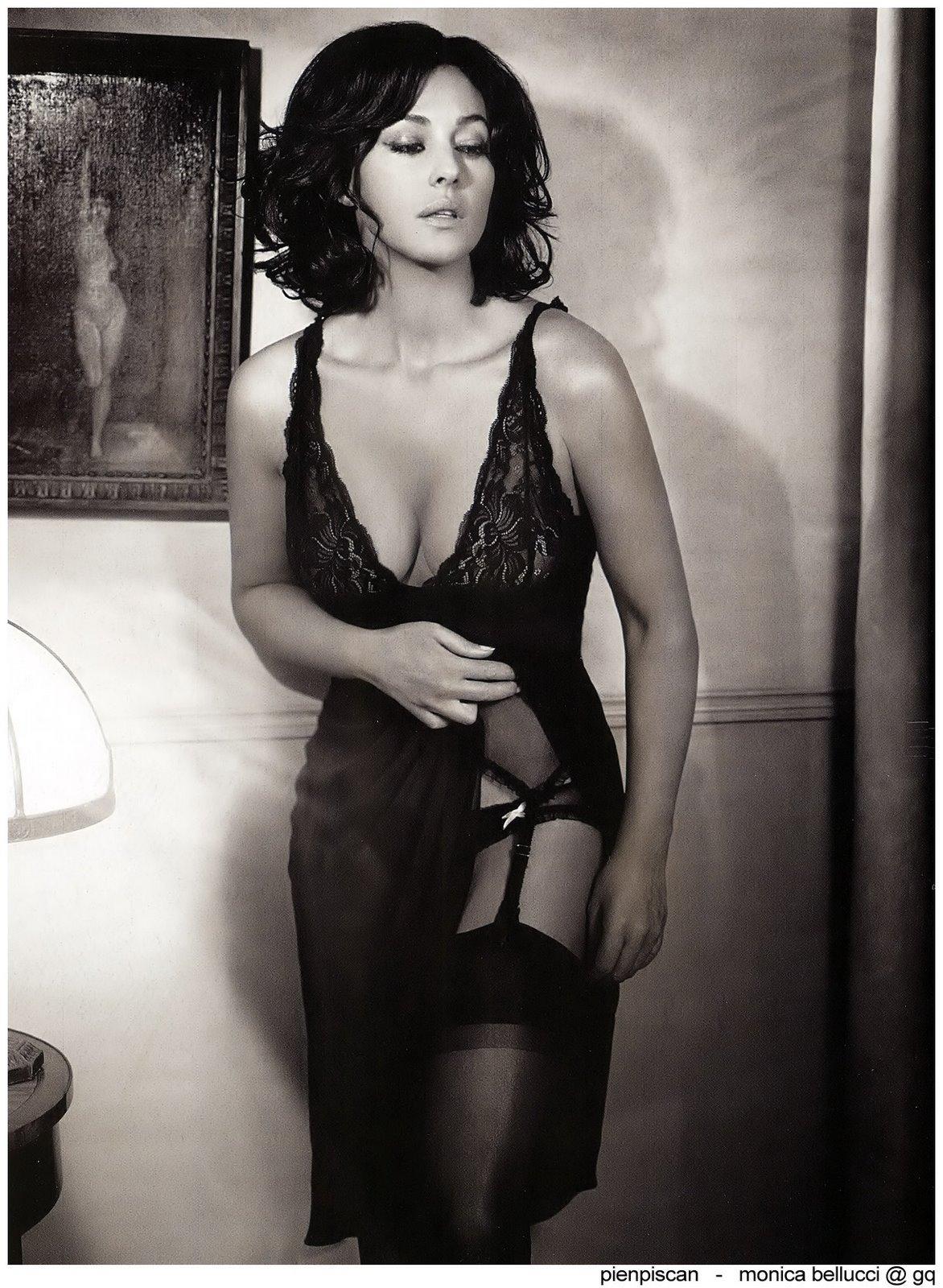 http://3.bp.blogspot.com/_twR2Ry4A4GI/STCL8SmnhLI/AAAAAAAADlI/38P0Z1m0Sc4/s1600/Monica-belluci-01.jpg