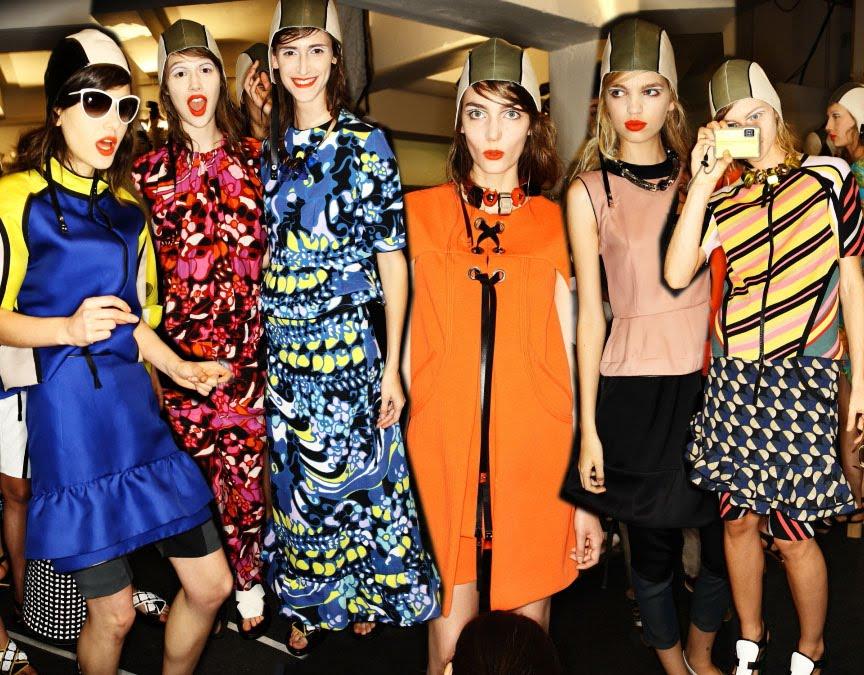 http://3.bp.blogspot.com/_twYmnhXVfP4/TM1rvrsdJRI/AAAAAAAAL2A/mUGDWtaDrRM/s1600/fashionweek9.jpg