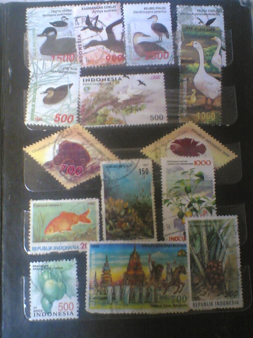 merupakan perangko jenis hewan dan tumbuhan. . ada 15 jenis