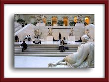 Louvre - Uma das escadarias