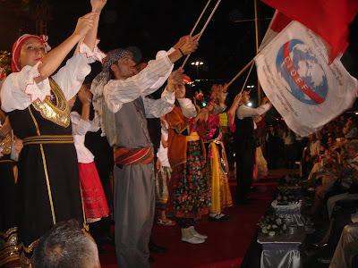 %CE%95%CE%B9%CE%BA%CF%8C%CE%BD%CE%B1+086 Χορευτικό συγκρότημα από την Κομοτηνή χόρευε μαζί με χορευτικό από την κατεχόμενη Κύπρο