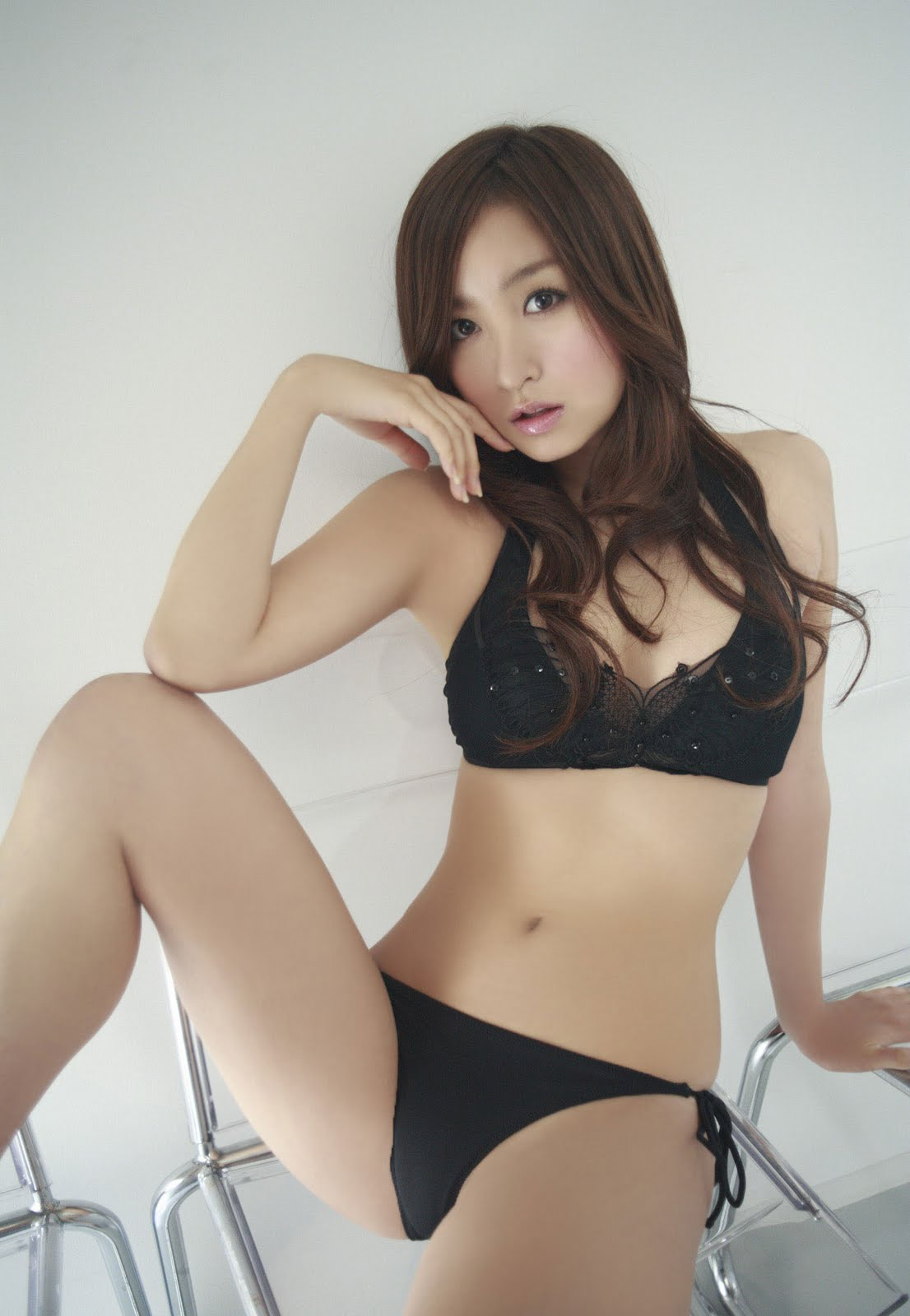 http://3.bp.blogspot.com/_u151eCr02IU/TIXDzVxGzsI/AAAAAAAAFZM/8k6TNV6ot38/s1600/Aya-Kiguchi-Cute-Bikini-Idol2.jpg