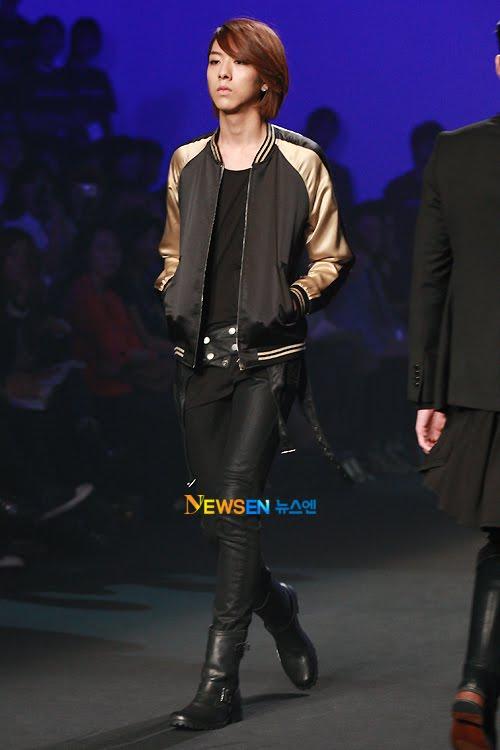 Lee Jeong Shin Seoul Fashion Week ! ♥ 2010102214125310011