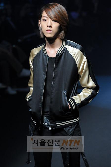 Lee Jeong Shin Seoul Fashion Week ! ♥ 2010102212877245742