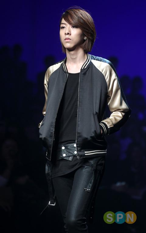 Lee Jeong Shin Seoul Fashion Week ! ♥ Pp10102200081