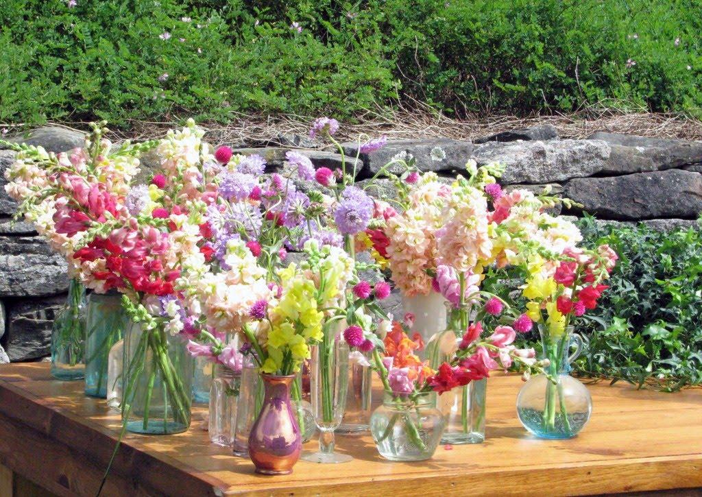 purple table arrangements for weddings