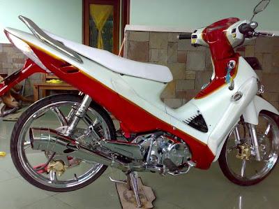 MODIFIKASI+SUPRA+X+125 Modifikasi Motor Honda Supra X 125 Retro Merah Chrome