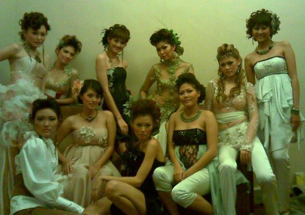kumpulan foto Tante-Tante Girang Indonesia | Part II A89pyTlL3-4