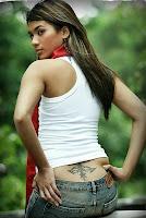 http://3.bp.blogspot.com/_u2E-MoGOjw0/SWriAbvl-KI/AAAAAAAAEHk/WuDuEmrEPTQ/s200/model_corner_seksi_woman_15.jpg