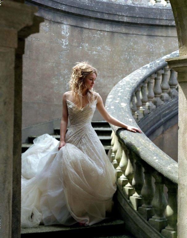 Noivas e vestidos deslumbrantes ..penteados ..joiasn ( ou por ai perto ) - Página 2 KeiraK_Exp