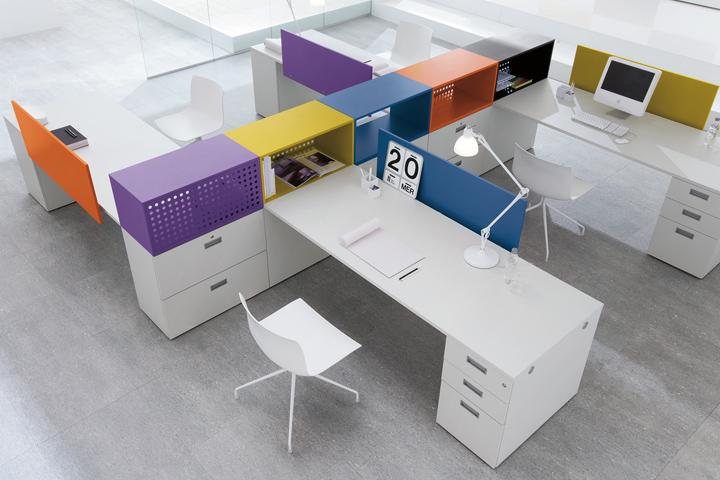 So chic interiorismo en oficinas ideas minimalistas for Sillas de oficina minimalistas