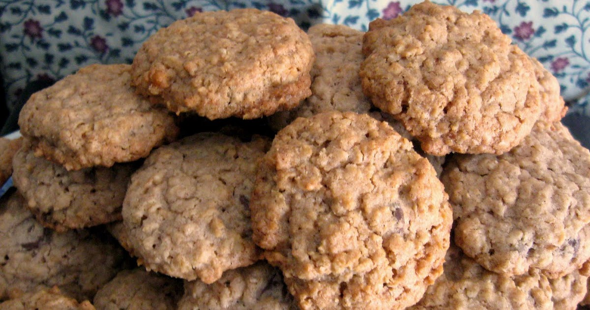 Sugar Pies: Chocolate Chip and Walnut Oatmeal Cookies