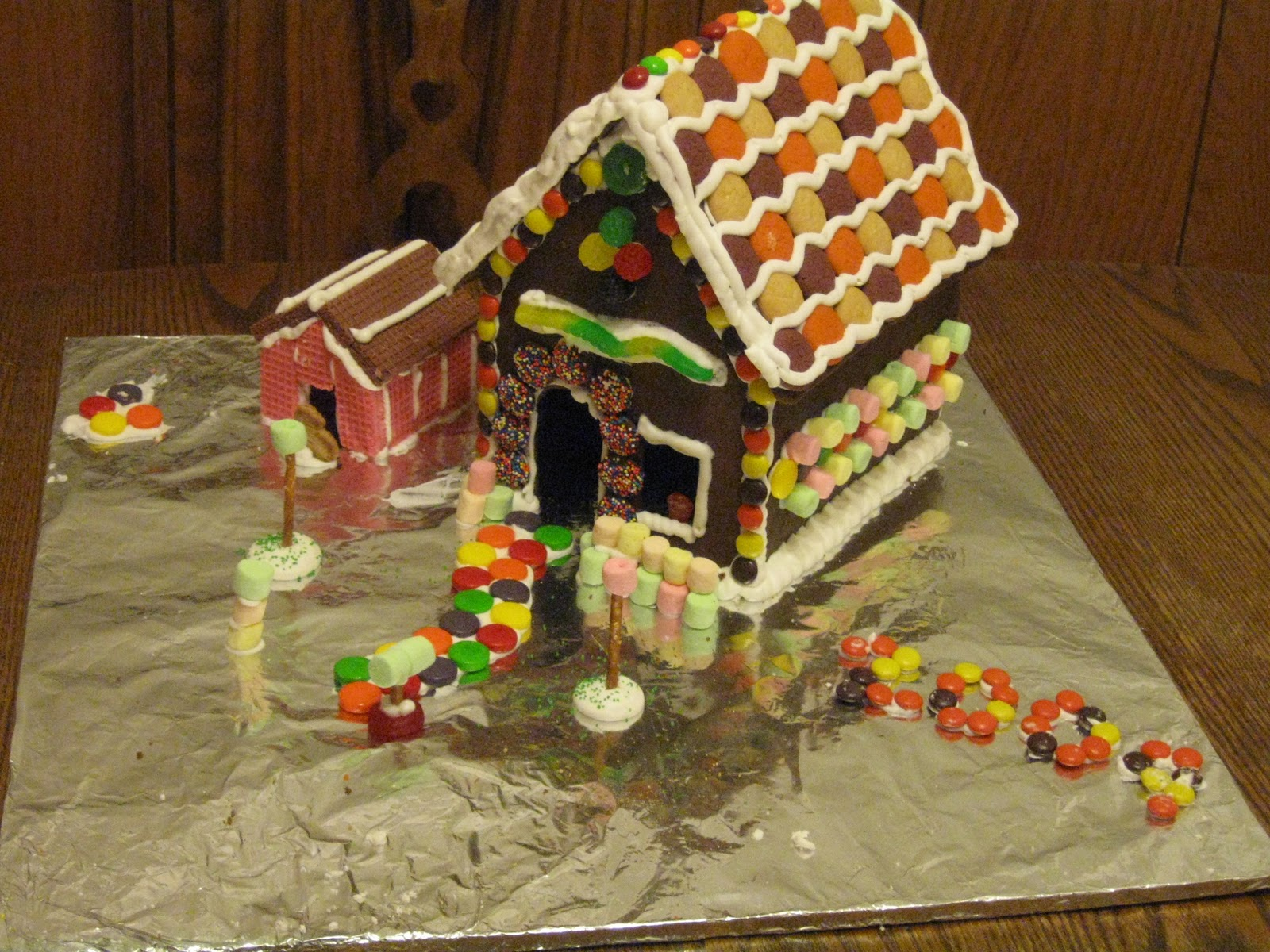 Premade Gingerbread Houses Raising Leafs Make It Monday Gingerbread House