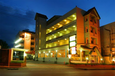 โรงแรม เอ็มอาร์พาเลซ