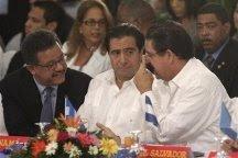 BLOQUEAN A HONDURAS PARA PRESIONAR RETORNO DEL PRESIDENTE MANUEL ZELAYA