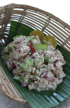 HINATA ( Sejenis makanan tradisi masyarakat Sabah )