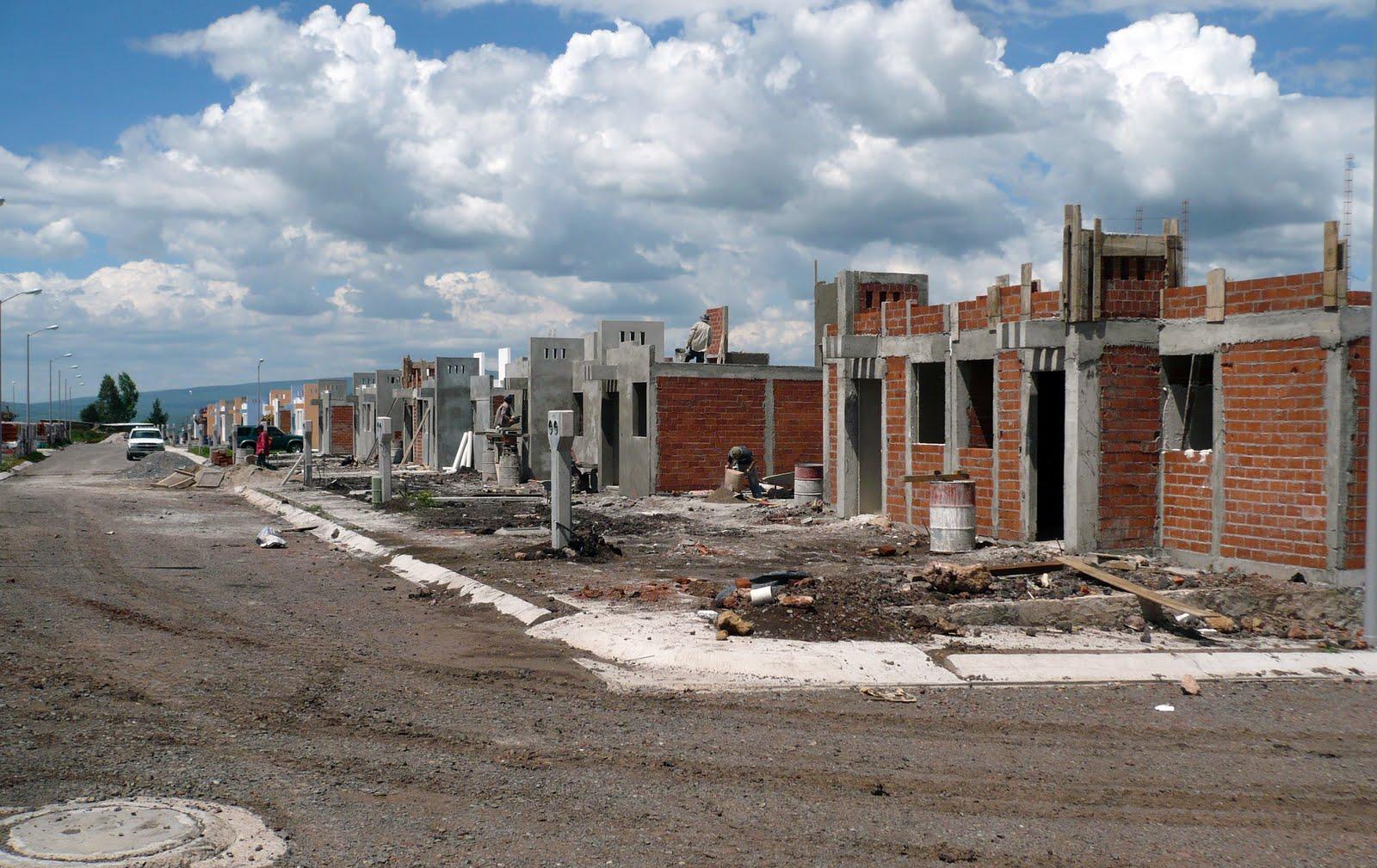 El marquesado fraccionamiento casas de 2 rec maras en for Construccion de chimeneas para casas
