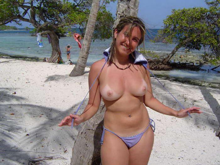 Видео топлесс на пляже