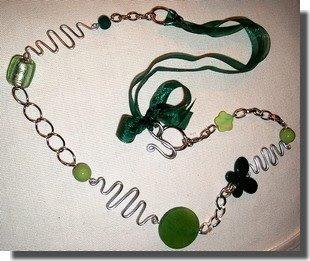 Colar prata verde