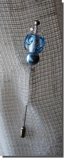 Bijuteria pregadeira azul cristal