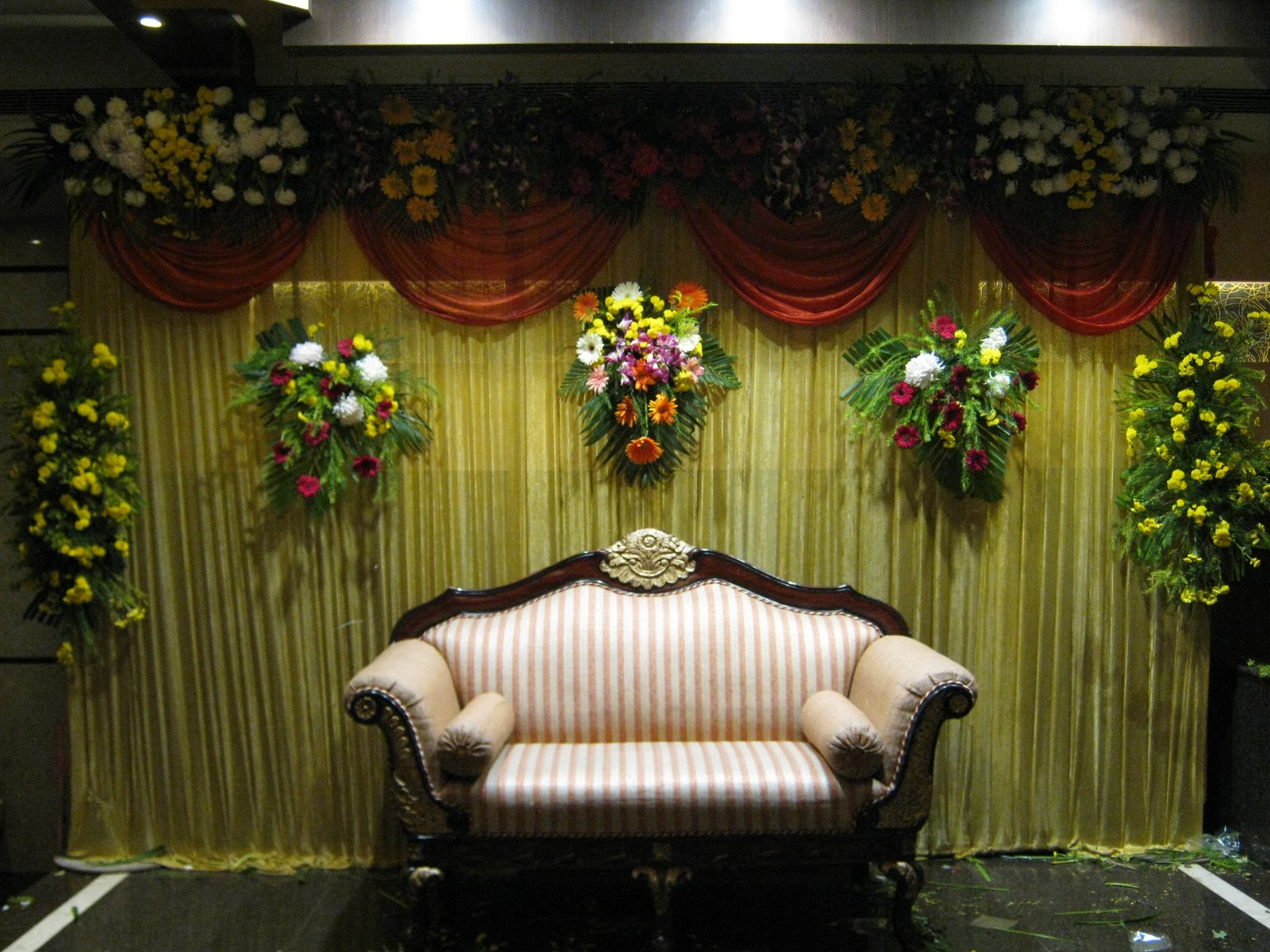 Wedding flower decorations living room interior designs for Baby shower function decoration
