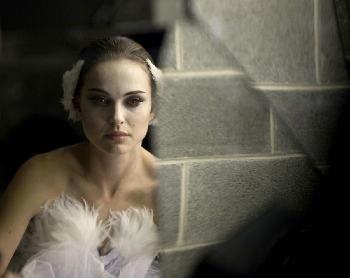 http://3.bp.blogspot.com/_u8ioQrwPSDQ/TVHULx6aBSI/AAAAAAAAApQ/XiOBbAfRE6A/s1600/Natalie-Portman-as-Nina-in-Black-Swan.jpg