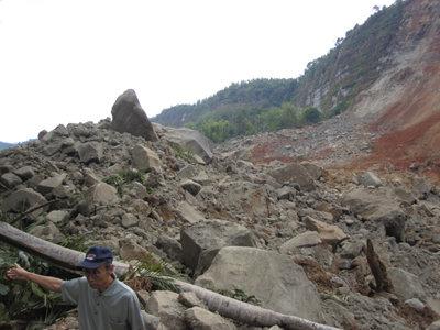 diiidiiian: Teori Lempeng Tektonik Kaitannya Dengan Persebaran Gunung Api Serta Daerah Gempa