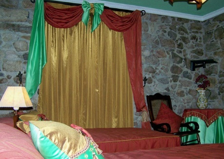 Casa rural en monforte de lemos casa de la madrina for Piscina monforte de lemos