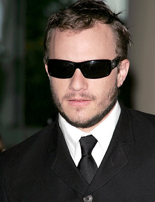 Heath Ledger But something happened, Heath Ledger died at the age of 28 from ...