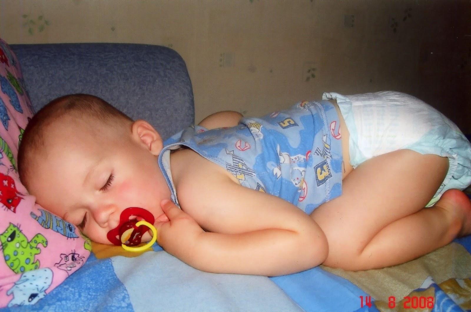 Стул ребенка в месяц при грудном вскармливании фото норма