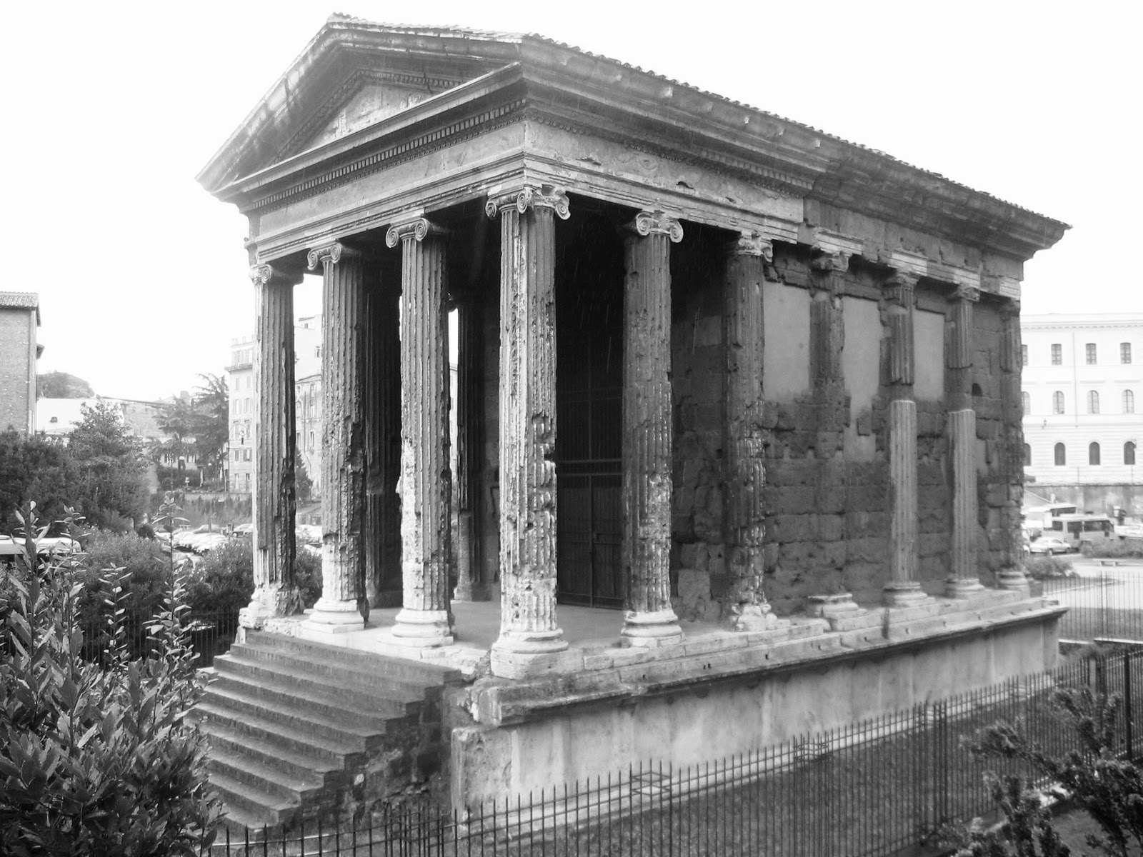 external image Roma_-_Tempio_di_portunus02%255B1%255D.jpg
