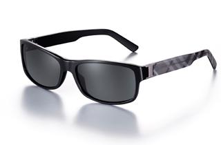 Burberry presenta la collezione Eyewear primavera-estate 2011, ...