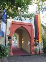 Stromburg - Eingangsportal, Anreise zur Stromburg