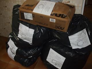 ONG DCM doa mantimentos para as famílias do Rio de Janeiro