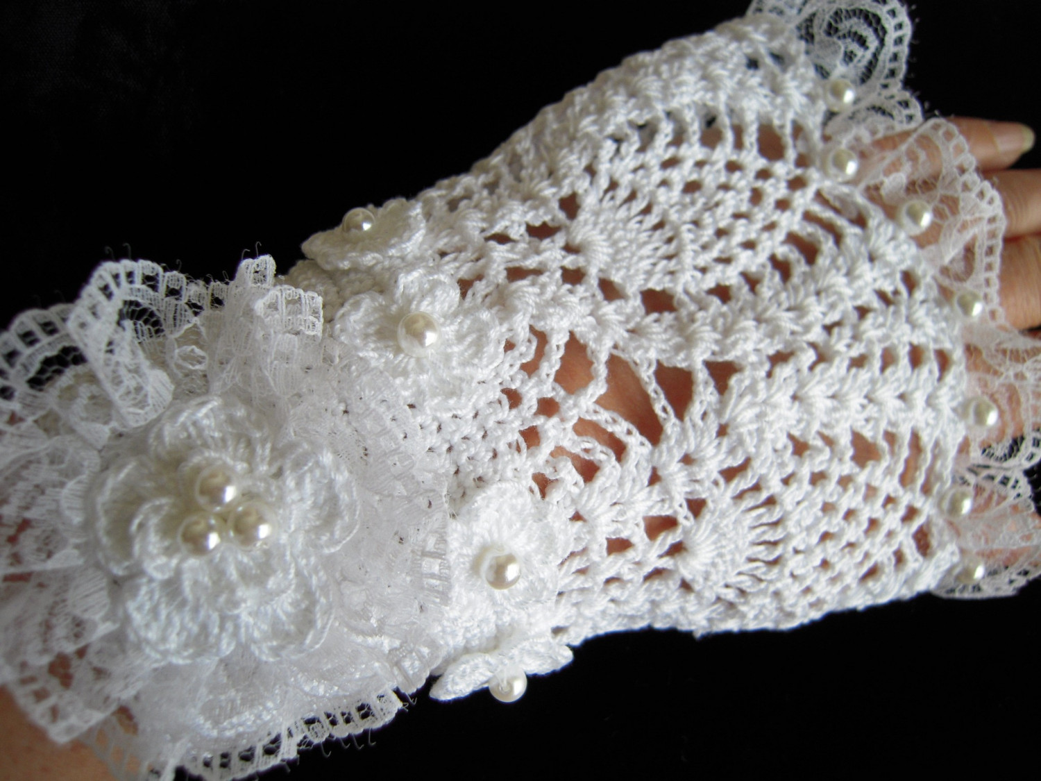Free Crochet Patterns Lace Gloves : Crochet Gloves Victorian Wedding Crochet Guild