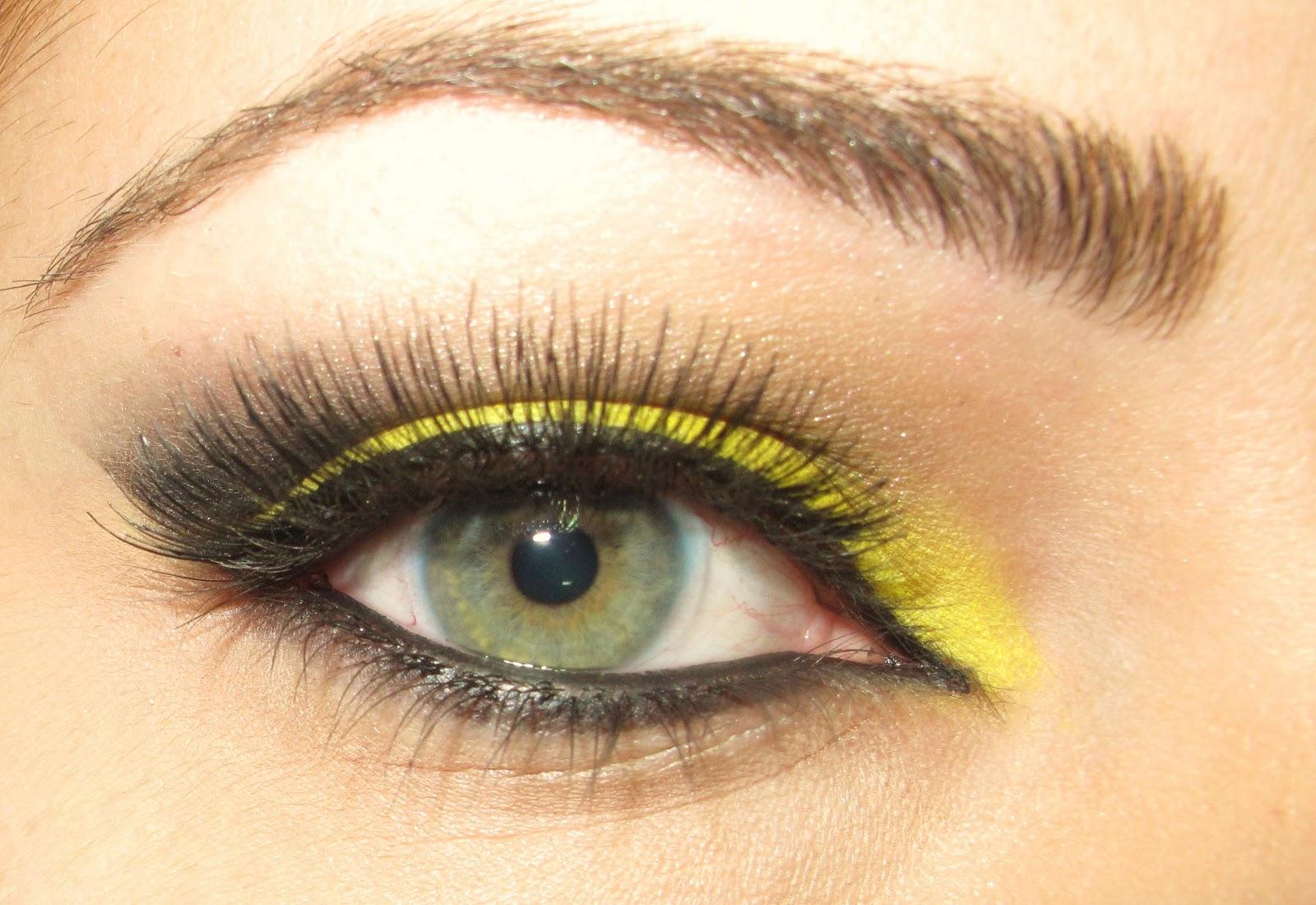Макияж с жёлтыми тенями
