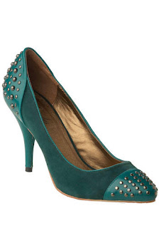 stud shoe