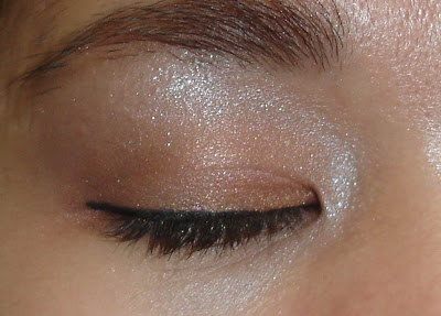 eye makeup for small eyes